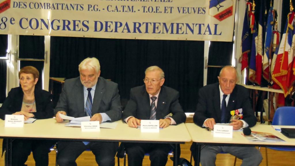 400 anciens combattants r unis monteux christian gros - Office departemental des anciens combattants ...